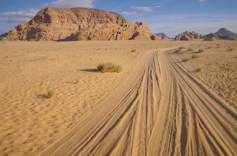 碧山旅行-人迹罕至的沙漠风情