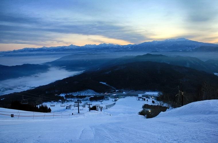 碧山旅行-日本旅游-体验独一无二的北海道雪