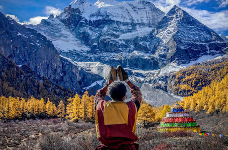 碧山旅行-藏区旅游-虔诚朝圣