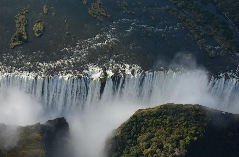 碧山旅行-非洲旅游-感受维多利亚大瀑布