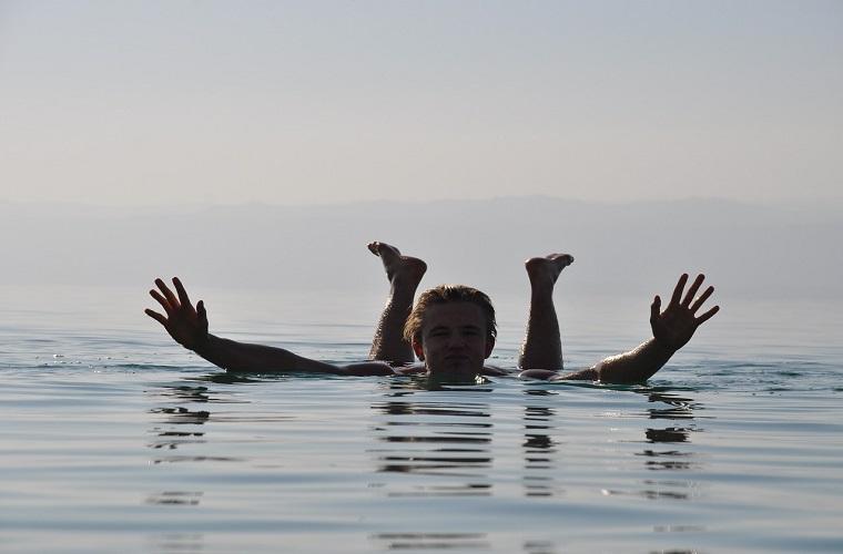 碧山旅行-约旦旅游-死海漂浮体验