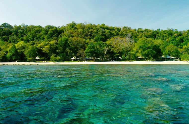 碧山旅行-印尼旅游-享受印尼的碧海蓝天